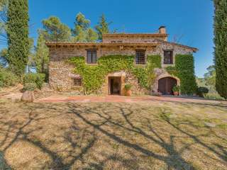 Country house for sale in the hills of the Gavarres, Girona