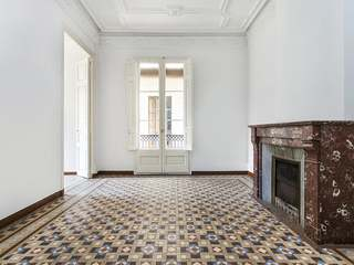 Property to be renovated for sale in El Born, Barcelona