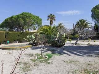 Building plot in residential area close 4km from Sitges