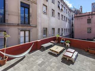 Beautiful apartment with 30mt terrace to renovate to buy in Born
