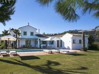 Marbella Hillside house for sale, near the beach