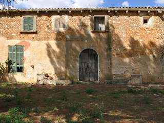 Country property for sale in South Mallorca to renovate