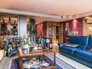 Luxury property of 300 m² to buy on Jacinto Benavente