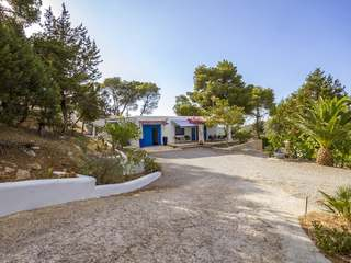 Country house on huge plot for sale in quiet location, Ibiza