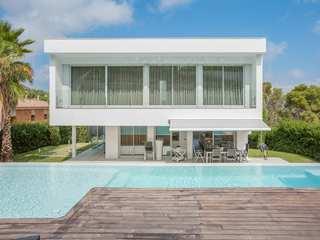 Outstanding modern villa for sale in Sant Antoni de Calonge
