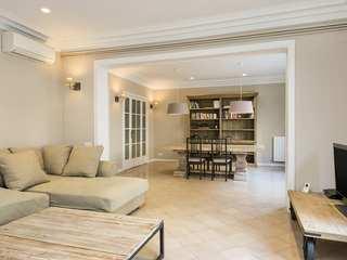 5-bedroom apartment for sale on Calle Muntaner, Sant Gervasi