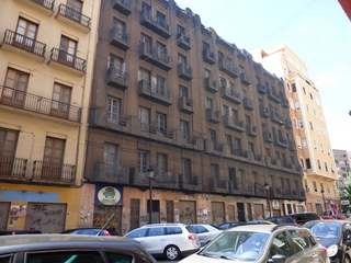 Buildings to renovate for sale in Valencia centre