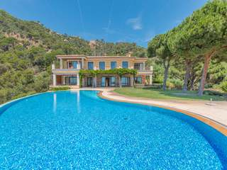 Costa Brava luxury villa for sale in Sant Feliu de Guixols