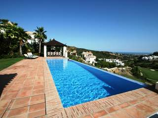 Villa for sale in Lomas de la Quinta