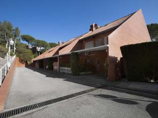 Townhouse to buy and renovate on the Maresme Coast, Teia