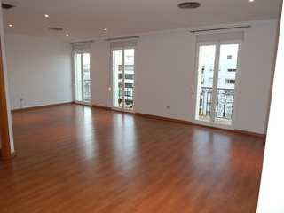 Renovated apartment to rent with 4 bedrooms on Gran Via