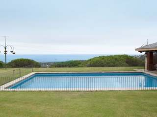 House for sale with sea views on Barcelona Costa Maresme.