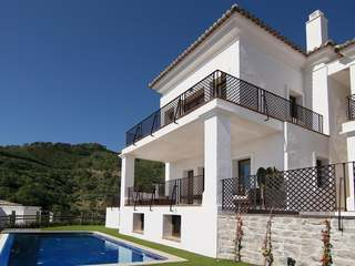 4-bedroom Naranjos Villa for sale in Benahavis hills
