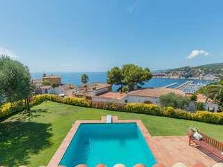 Villa en venta en primera línea de la Costa Brava