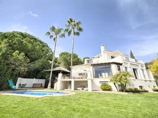 Villa restaurada de 680 m² en venta en La Zagaleta