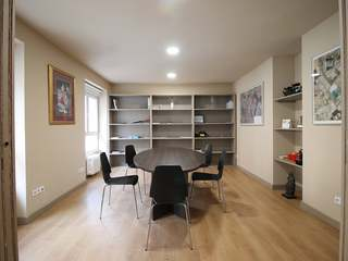 Recently renovated 3-bedroom apartment for sale in Almagro
