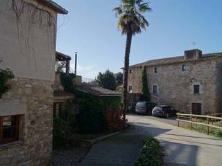 15th Century Girona country property to buy near Figueres