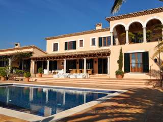 Luxury country villa for sale in Alaro, Mallorca.