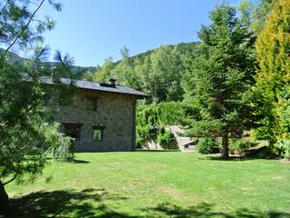 Great mountain house with garden to buy, Vallnord, Andorra
