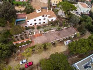 7-bedroom masia to buy and renovate in El Masnou