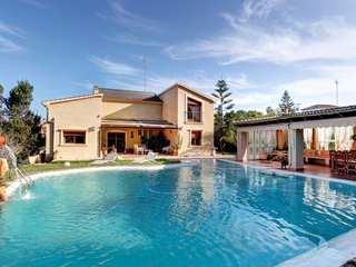 Villa for sale in Montgo, Denia, with sea views
