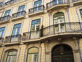 Apartment to buy in Renovated 18th Century Building, Lisbon