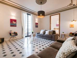 Excellent apartment for sale in Poble Sec, Barcelona