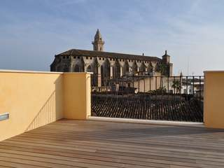 A beautiful penthouse for sale in Old Town, Palma, Mallorca.