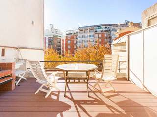 3-bedroom apartment with a terrace for sale on Paral.lel