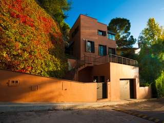 Modern 3-bedroom house for sale 100m from beach in St. Pol