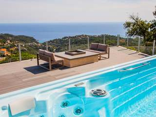 Modern Costa Brava house for sale in Lloret de Mar