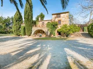 Beautiful Girona country house to buy in Ullastret, Emporda