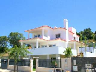 3-storey villa for sale in Estoril