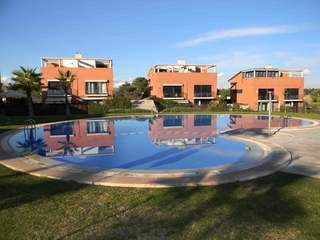 Villa with a communal pool for sale in Campolivar, Godella