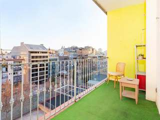 Apartment to renovate for sale on Calle Mallorca, Barcelona