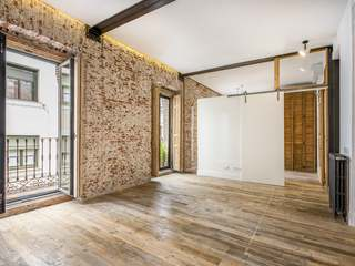 2-bedroom, 2-bathroom apartment for sale in Lavapies, Madrid