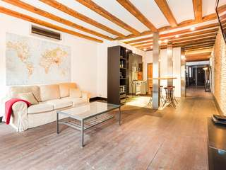 Loft apartment for sale on Banys Vells, in El Born, Barcelona