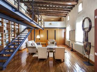Superb attic apartment for sale in Barcelona's Old Town
