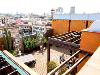 Penthouse for sale on Calle Diputacio, Barcelona