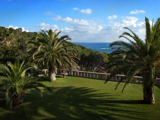 Begur coastal estate to buy overlooking Aiguafreda