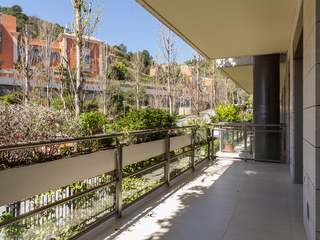 3-bedroom apartment to rent in La Bonanova, Barcelona.