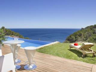 Seafront property on the Costa Brava for sale