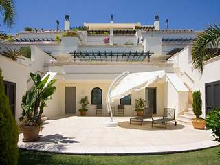 Luxury 3-bedroom frontline beach apartment for sale on the Golden Mile, Marbella