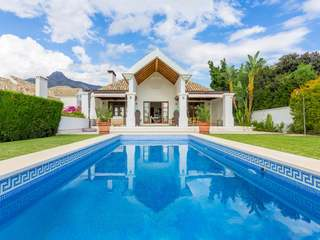 6-bedroom luxury villa for sale in Marbella's Golden Mile