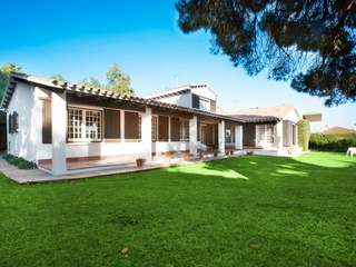 Villa to renovate for sale in Can Teixido, Alella