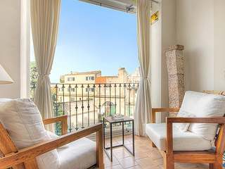 Large 4-bedroom apartment for sale in Palma city, Mallorca