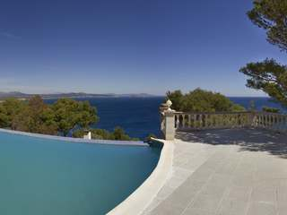 Costa Brava property for sale with sea views close to Begur