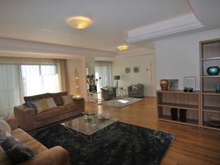 Brand new 5 bedroom apartment to buy in central Lisbon.