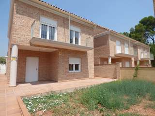 New build house for sale in Campolivar development, Valencia
