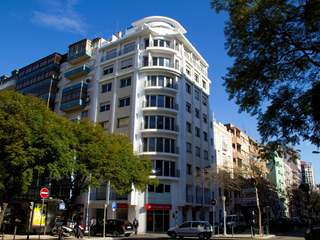 New 2 bedroom Lisbon apartment for sale. Quality finishes